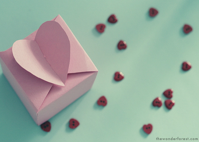 DIY: Heart Favor Box Tutorial and Pattern