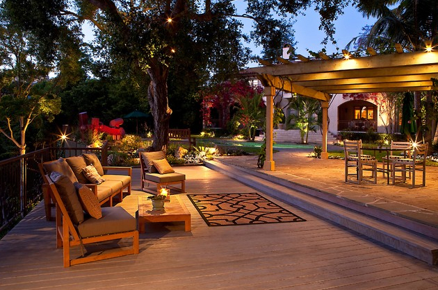 Dreamy Outdoor Backyard Living Spaces and Inspiration