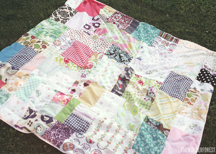 Easy DIY Patchwork Picnic or Beach Blanket from Fabric Scraps!