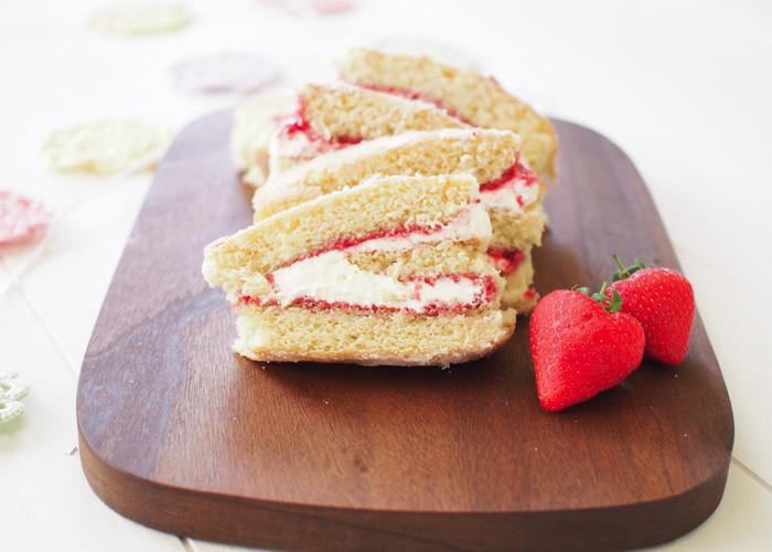 BAKE: Swiss Roll Cake