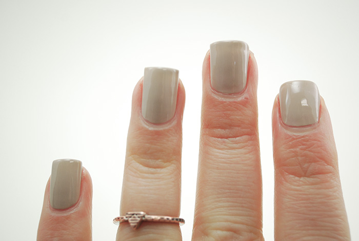 Sweater-Nails-Step-2