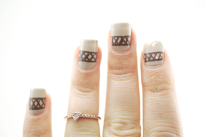 Sweater-Nails-Step-6