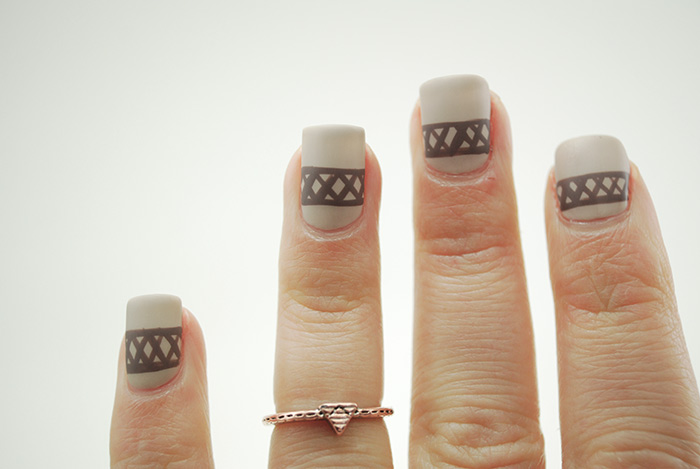 Sweater-Nails-Step-7-(2)