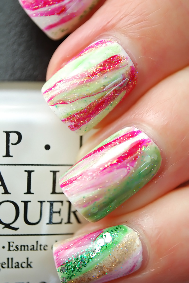 Marbled Christmas Nails