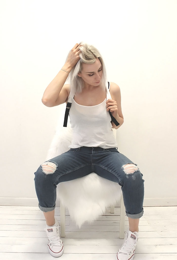 Boyfriend jeans with white tank by @wonderforest  #style #streetstyle #fashion