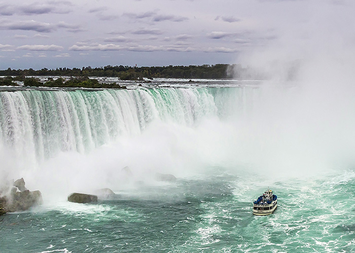 Why You Need to Visit Niagara in the Spring