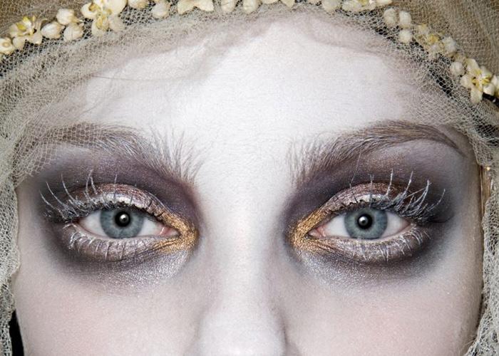 Stunning Feminine Halloween Makeup Ideas
