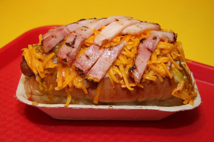 When In Calgary, Canada. 5 Cheap Yet Delish Eats You Gotta Dig In To: Tubby Dog