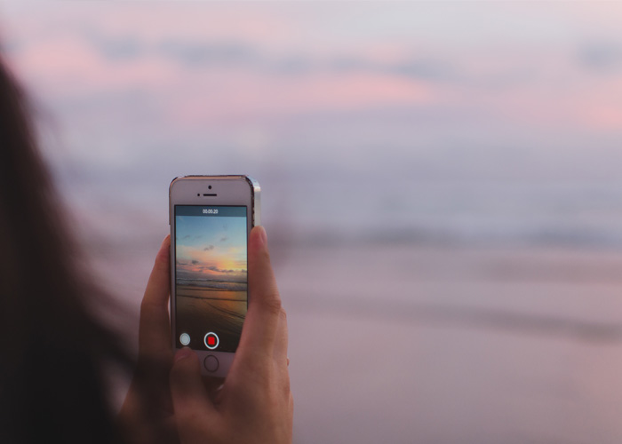 5 Ways To Leverage Your Business with Instagram Stories + 5 Gorgeous Story Template Freebies