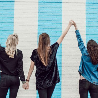 5 Super Fun Ways To Bond With Your BFFs