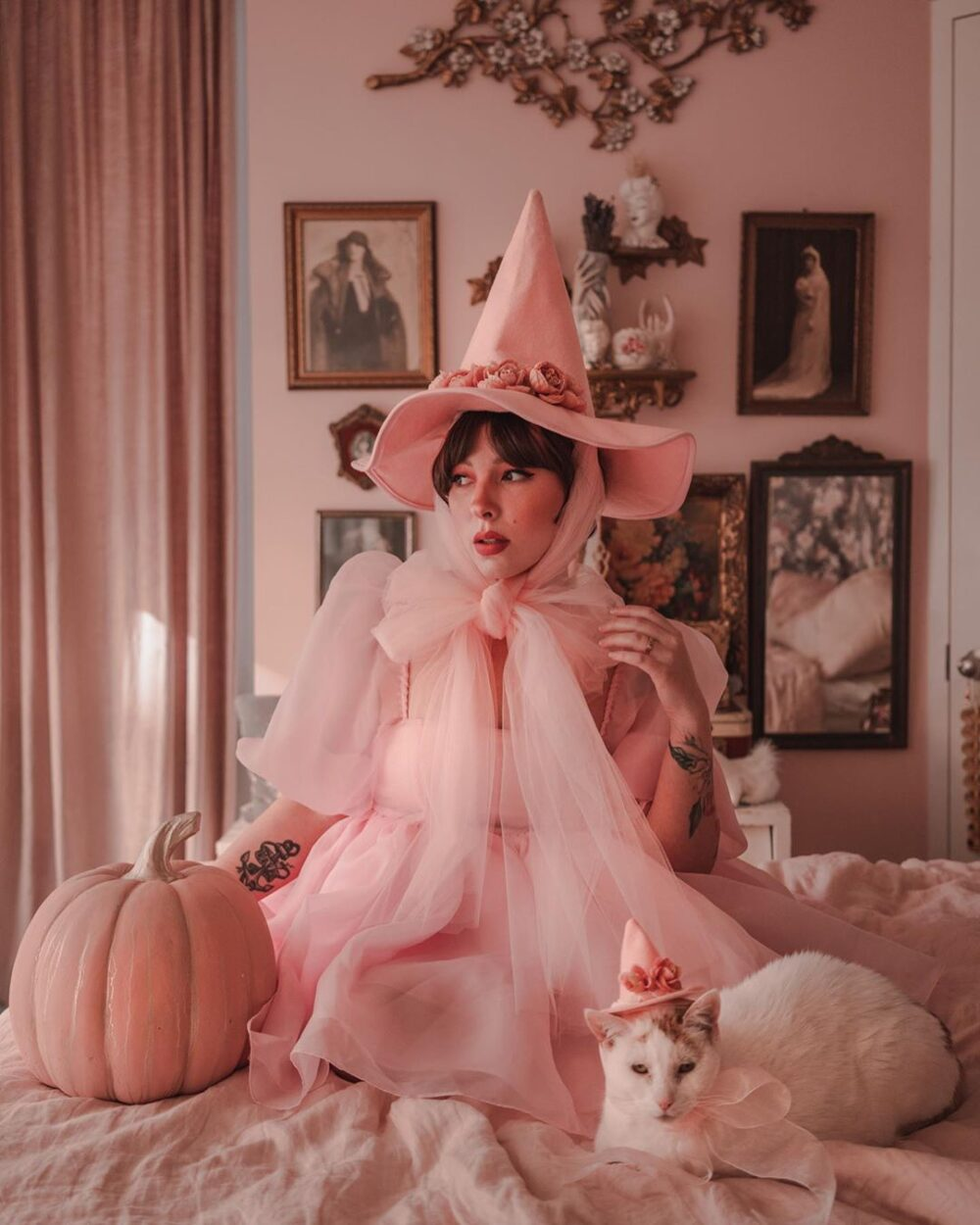 15 Amazing and Cute Instagram Costumes to Inspire You This Halloween