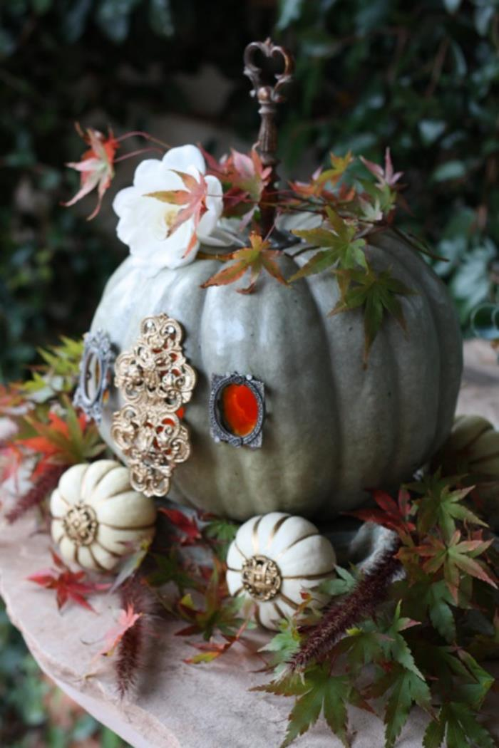 25 Crafty and Creative Pumpkin Carvings for Halloween