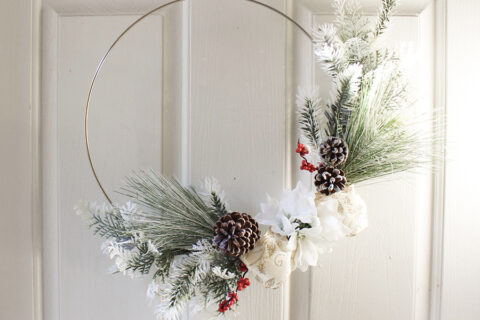 How to Make a DIY Modern Christmas Wreath
