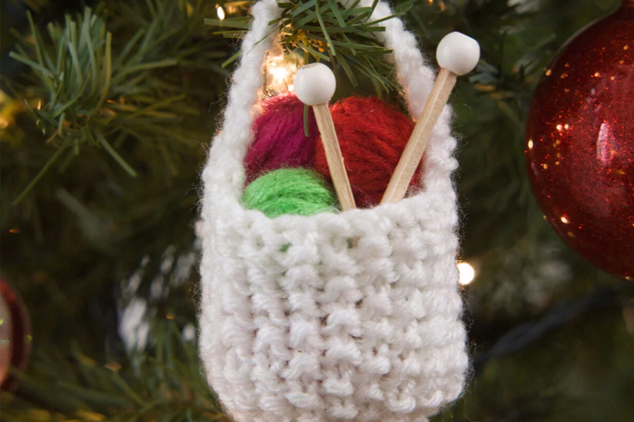 20 Cozy Holiday Knitting & Crochet Projects
