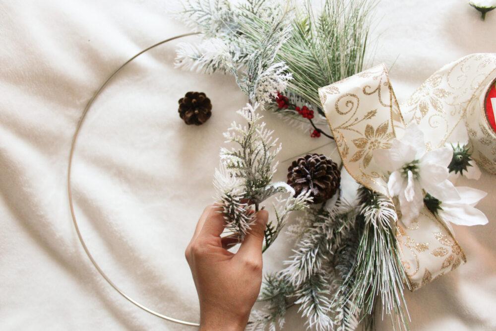 How to Make a DIY Modern Christmas Wreath