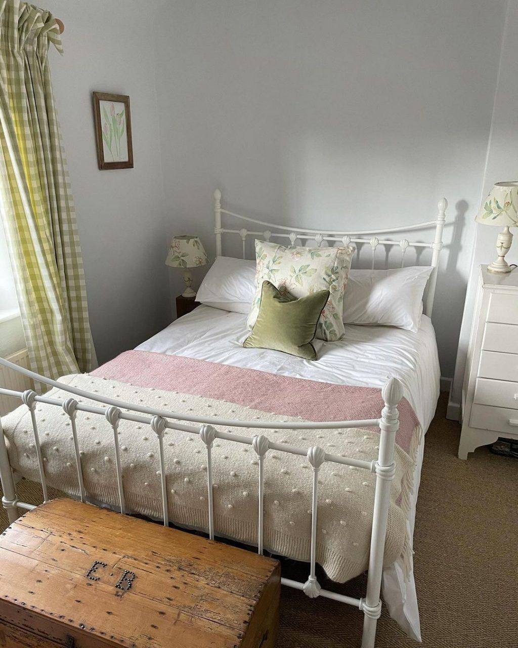 15 Cozy Cottage Core Rooms
