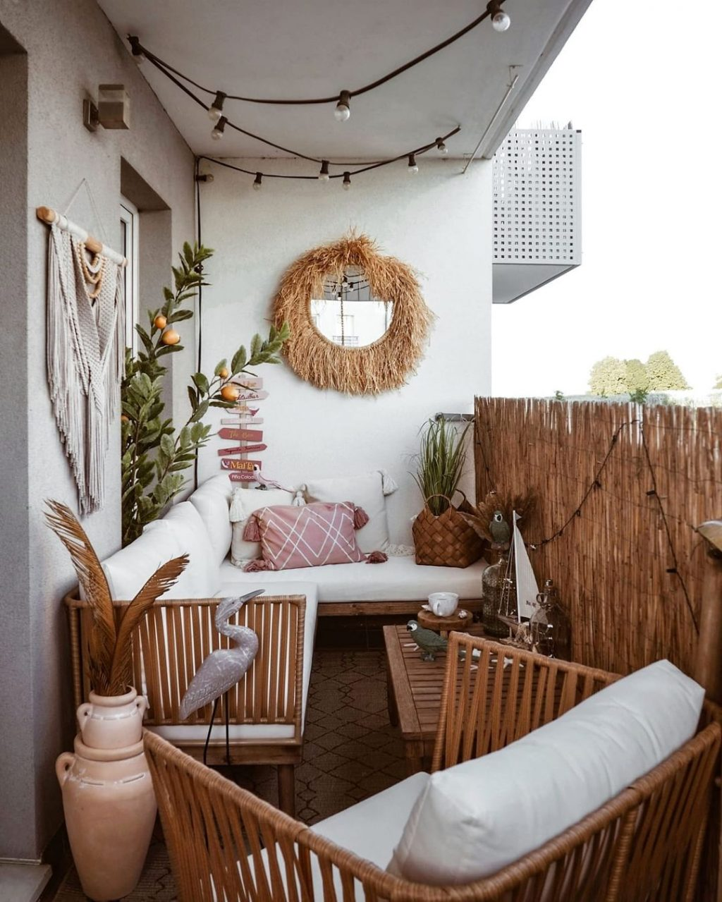15 Decor Ideas for Small Outdoor Spaces