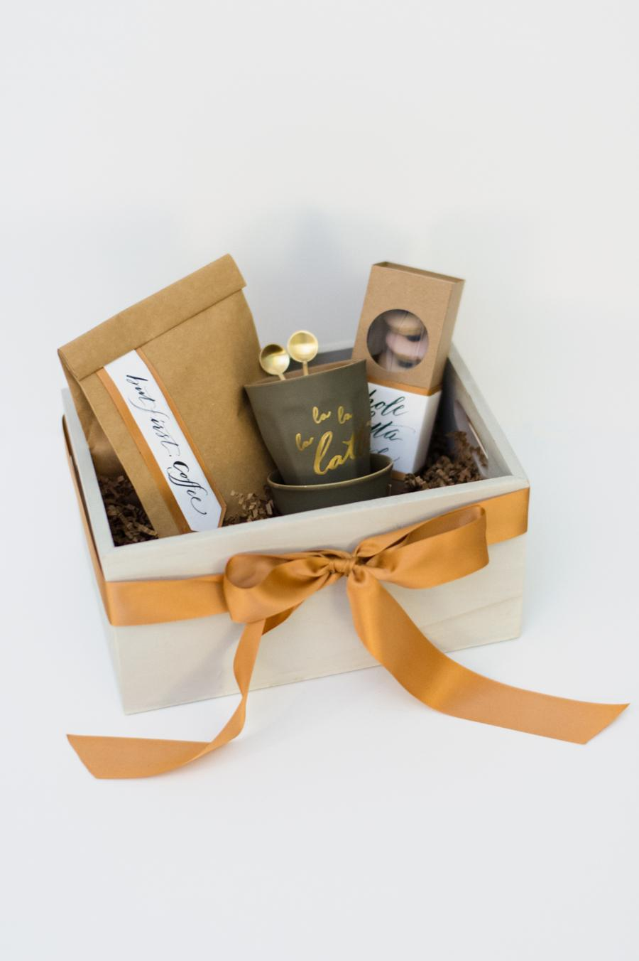 20 Inexpensive DIY Summer Hostess Gift Ideas