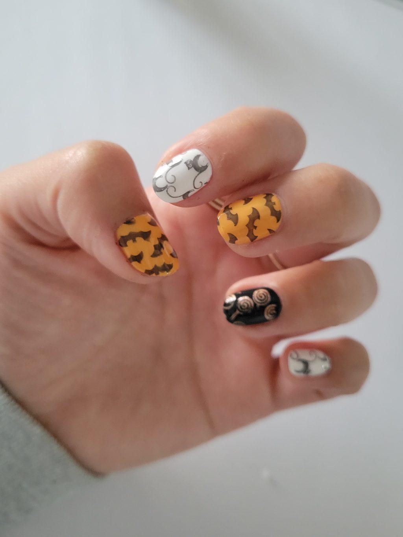 Easy Whimsical Halloween Nail Art Tutorial