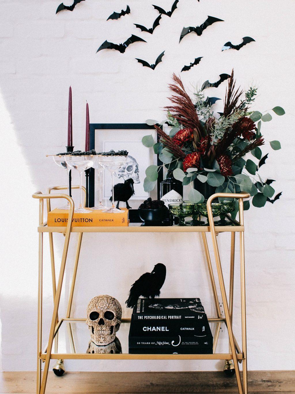 10 Classy and Chic Halloween Decor Ideas